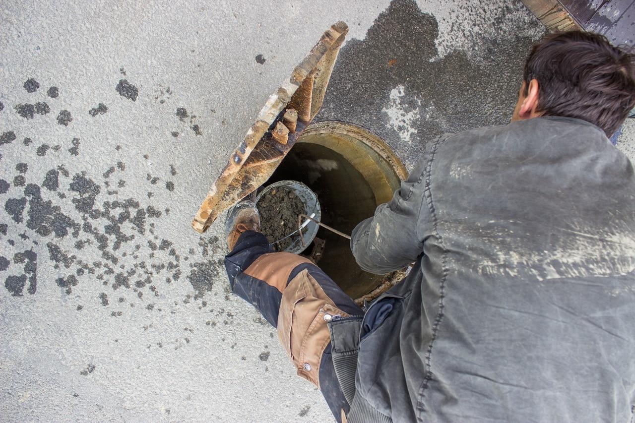 האינסטלטור המקצועי המתקינים של מסנני המים מקצועיים עם נכונות לתת שירות מקצועי שיודעים לאתר נזילות מים תוך כדי החלפת האסלה בשירותים